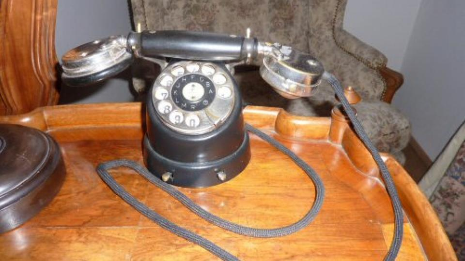 Hraběnčin telefon na zámku Mníšek pod Brdy