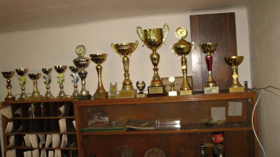 Část našich pohárů