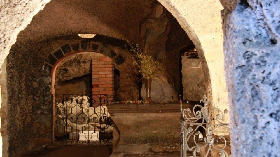 Pohled do jeskyně Ivana