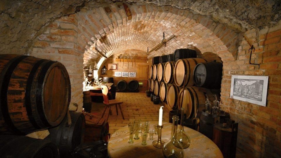 Původně sklepy pod Zelným trhem sloužily ke skladování potravin a vína