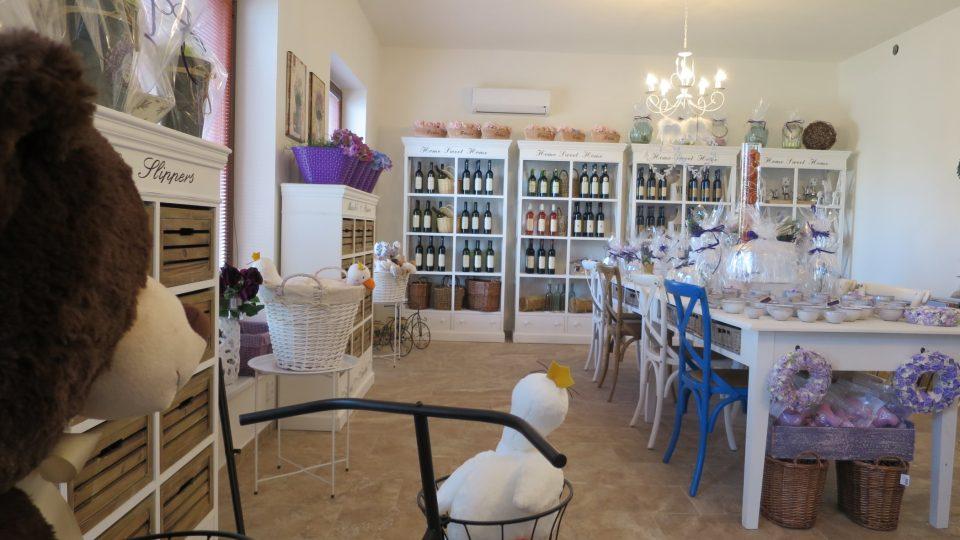 Mají tu levandulovou zmrzlinu, marmelády, lanýže a řadu dalších kulinářských i řemeslných specialit