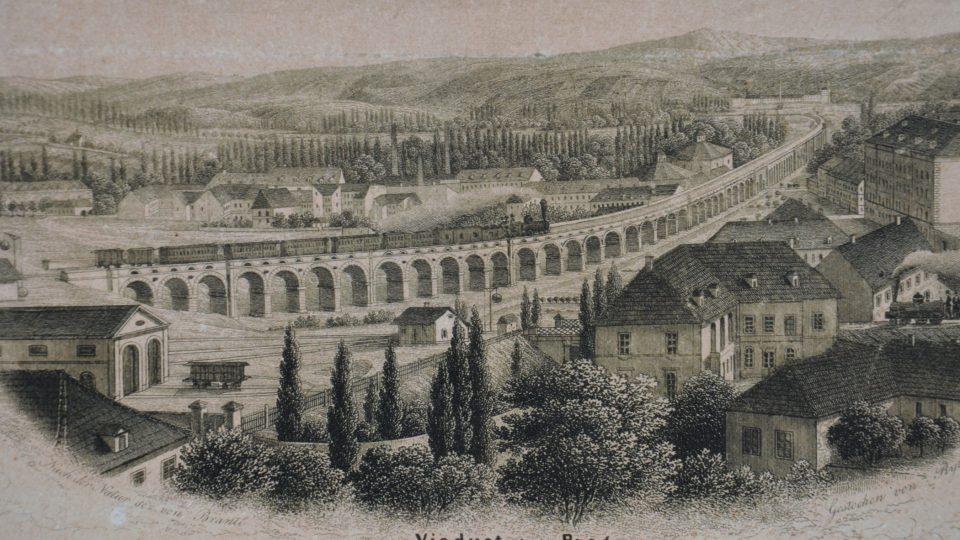 Jeden z dobových obrázků na výstavě, tehdy ještě nebyl viadukt sevřený městskou zástavbou