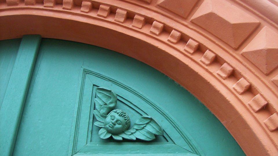 Detail vchodu