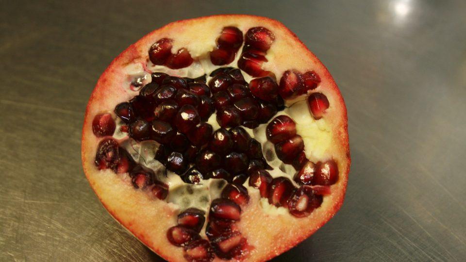 Zrníčka granátového jablka se používají na dozdobení