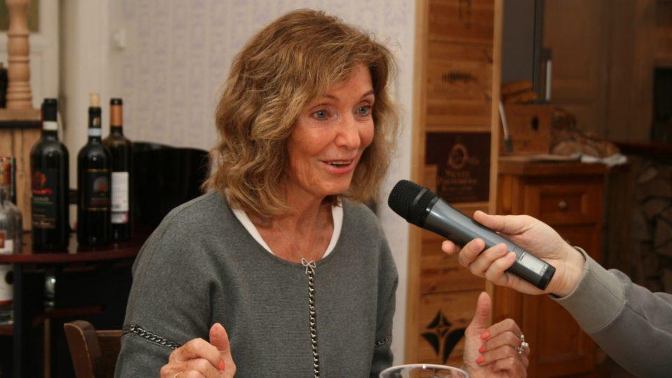 Hostem pořadu byla moderátorka a novinářka Magdalena Dietlová