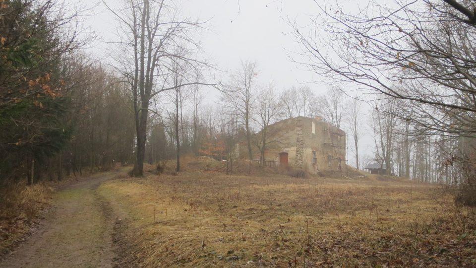 Janův hrad neboli Prokopovský dvůr vznikl kolem roku 1710 jako hospodářský objekt
