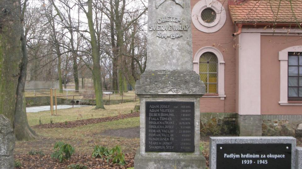 Pomník padlým hrdinům