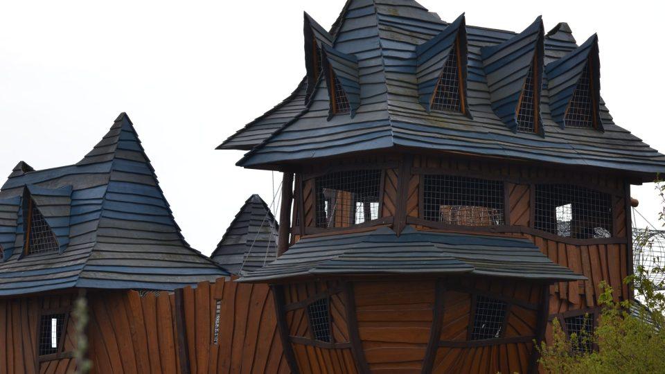 Hrad byl první atrakcí, která v parku Mirakulum stála