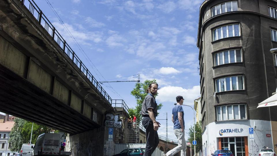 Negrelliho viadukt v ulici Pernerova
