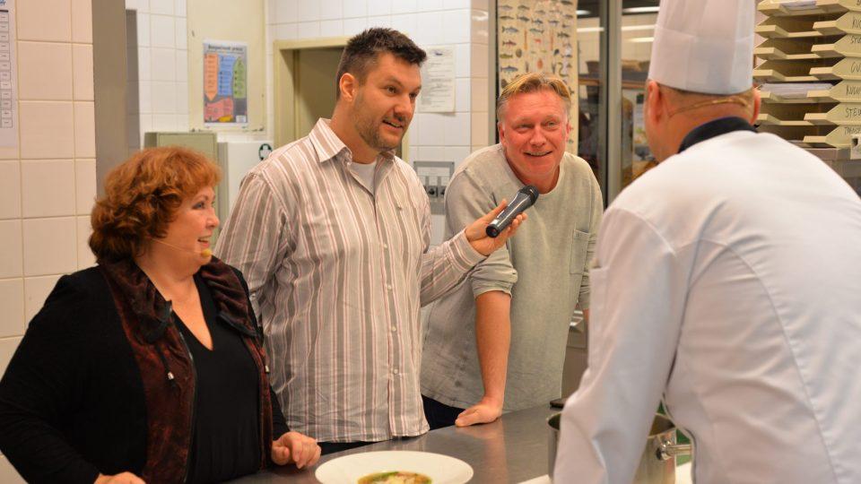 Michal Dlouhý se podíval i do kuchyně