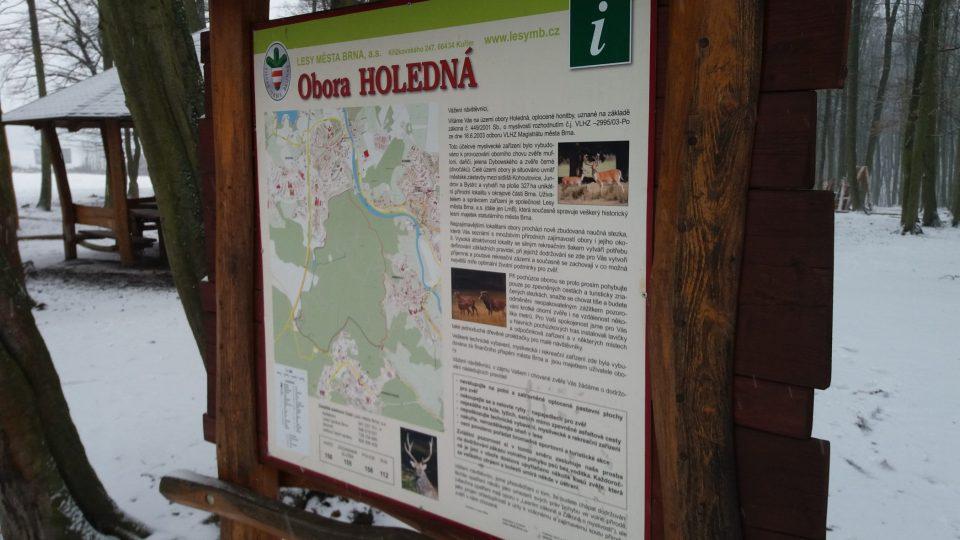 Obora se nachází mezi sídlišti Jundrov, Kohoutovice a Bystrc