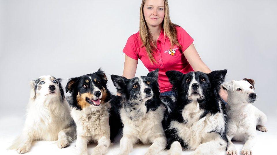 Alena Smolíková a její psí kamarádky