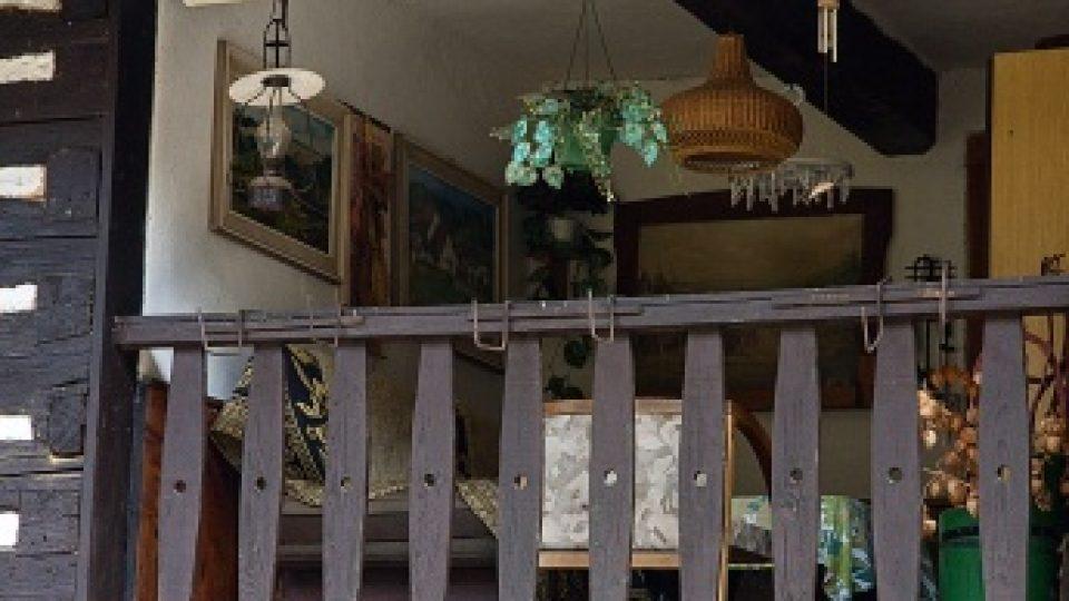 I takové místnosti mají roubenky v Karbě