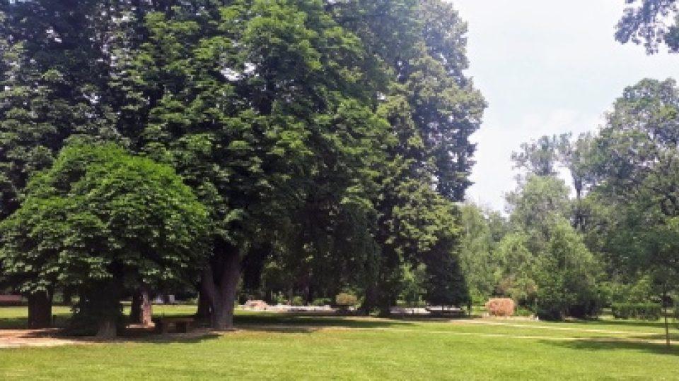 Do zámeckého parku může čas od času nahlédnout i veřejnost. Vstup je sem možný třeba v době hudebního festivalu