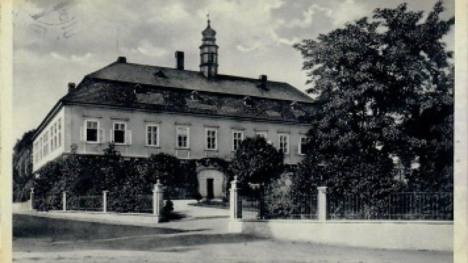 Zámek Liteň na pohlednici z roku 1935