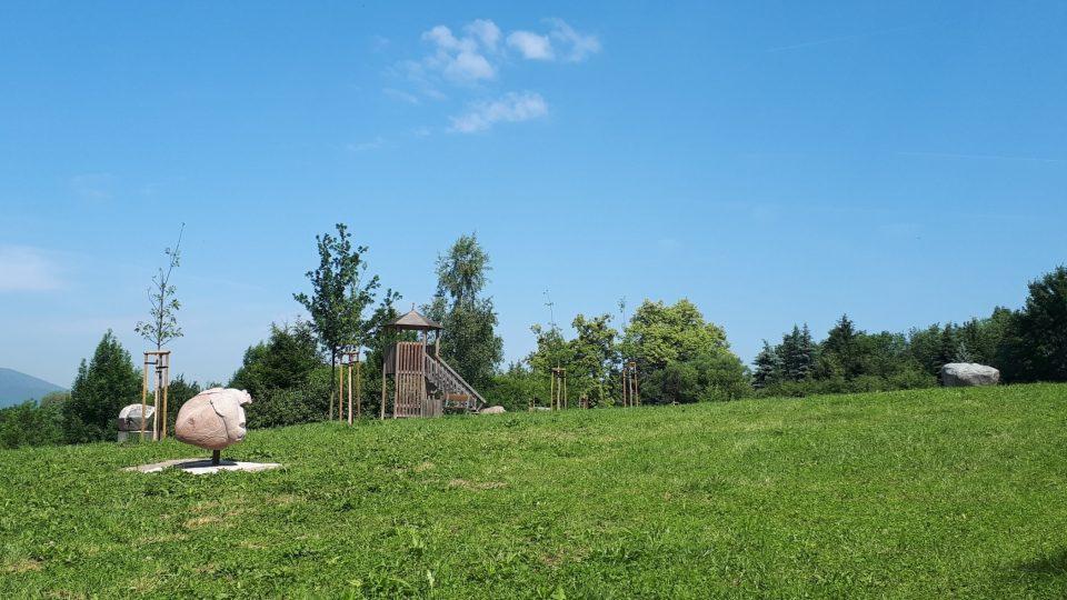 Ještě před pár lety tady byla skládka.Dnes je z ní park plný moderního umění.jpg
