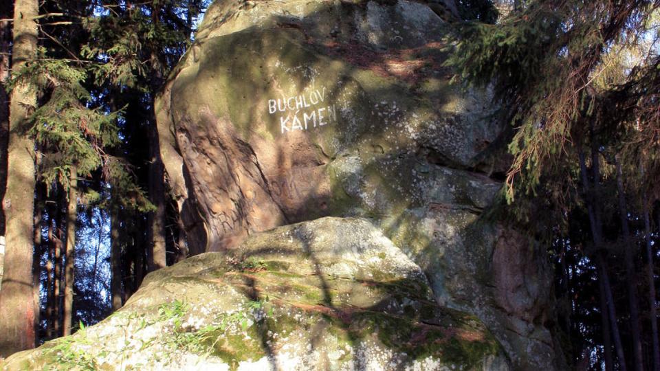 Buchlov - kámen nedaleko Zikmundova