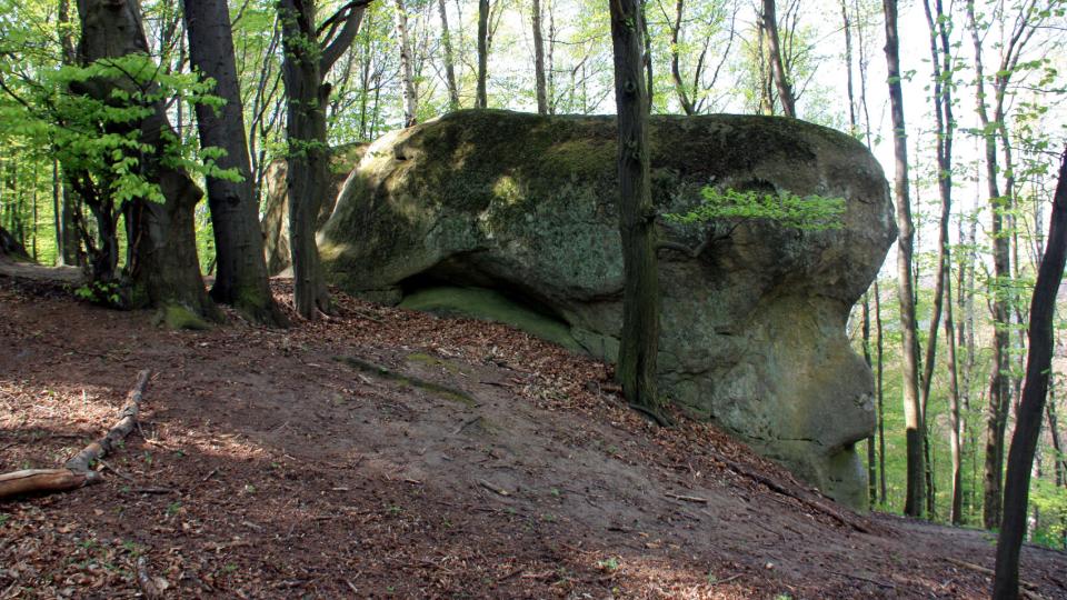 Malý Buchlov kámen v sousedství velkého