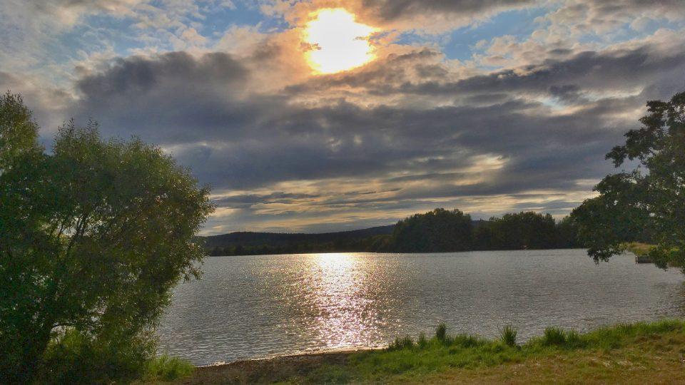 Kařezské rybníky milují vodní ptáci i lidé