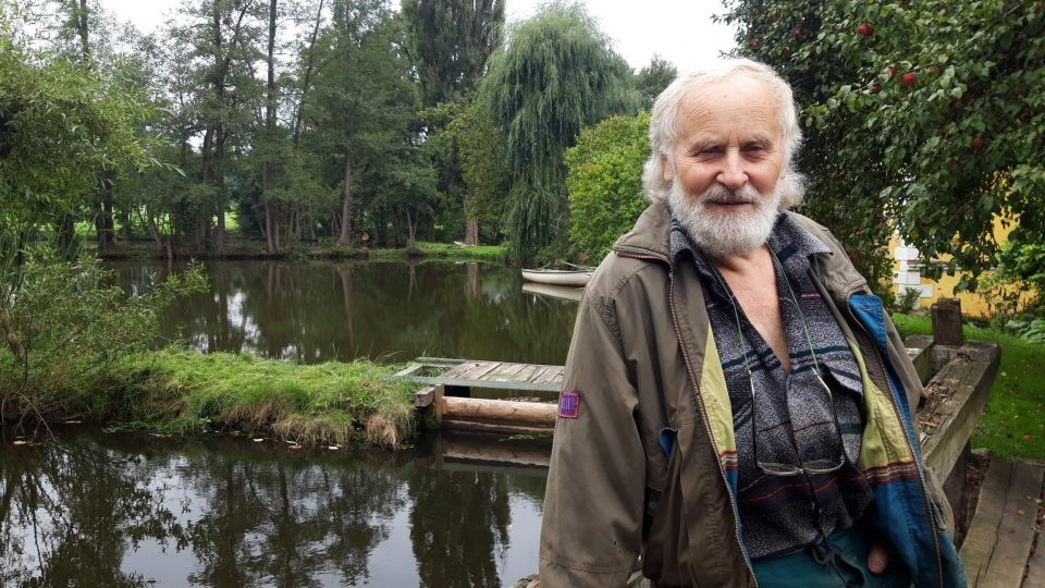 František Mikyška je jeden z mála sekerníků v České republice. Práce má stále dost