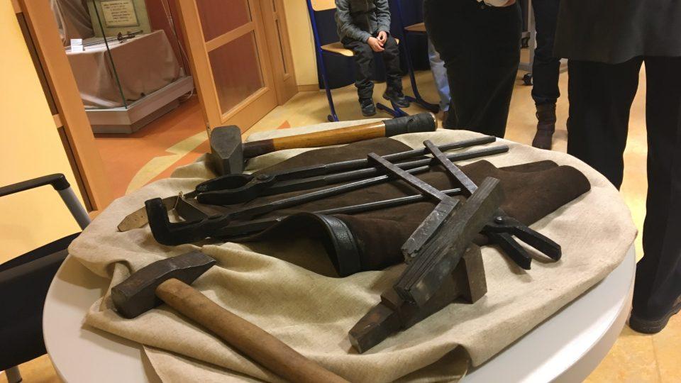 Kovářské náčiní na výstavě v Třebechovicích pod Orebem