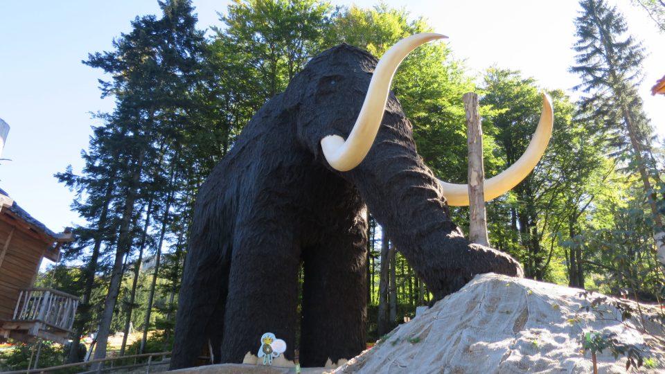 Model mamuta na Dolní Moravě je největší na světě