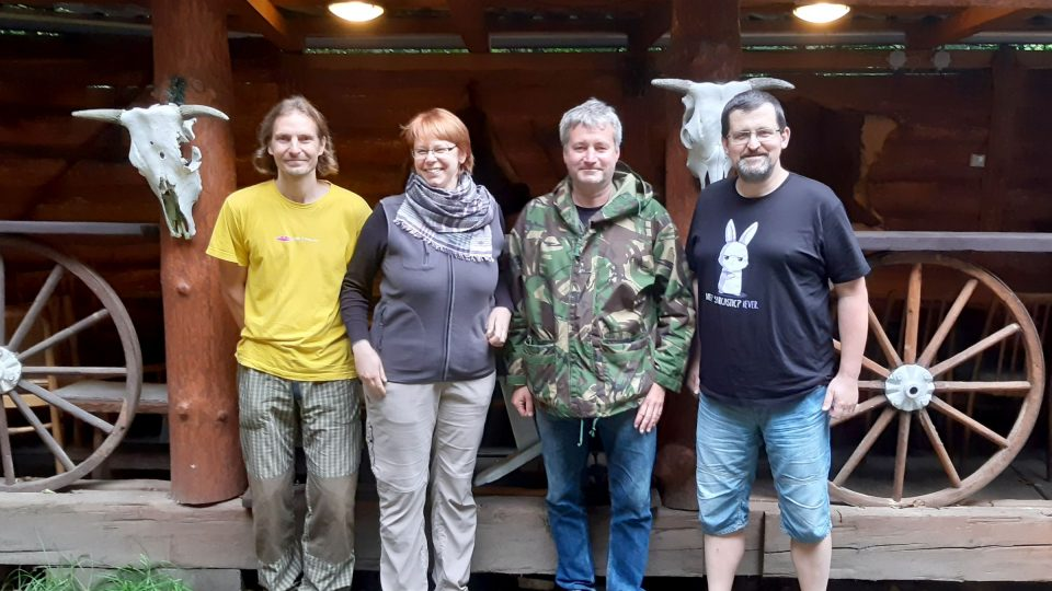 Choroši, zleva Aleš Rogalewicz, Věra Hájková, Jan Komín a Tomáš Doug Machalík