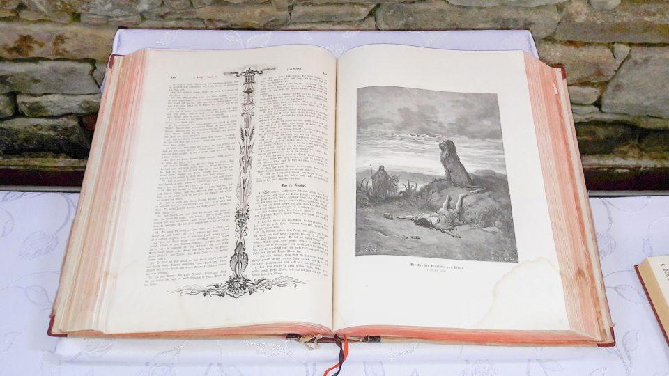 V Muzeu Bible je vystavena pouze část exponátů