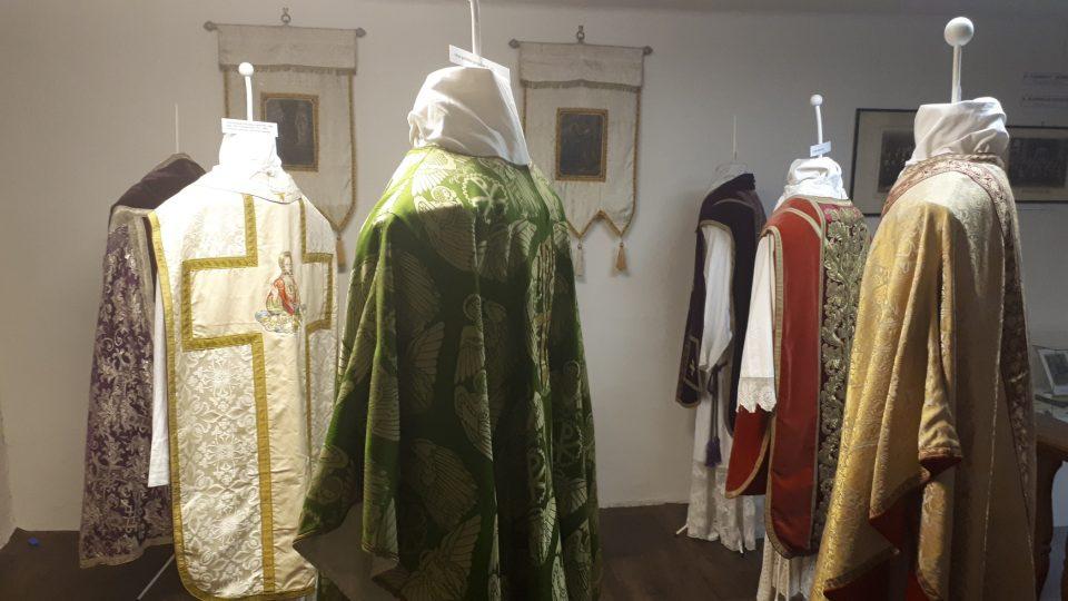 Stálá expozice církevního brokátu v Rýmařově