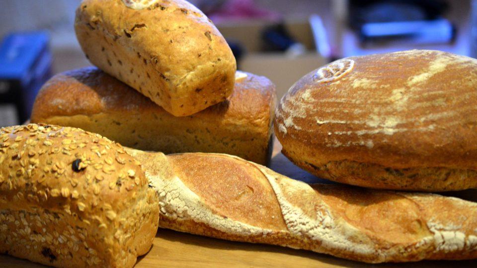 Pekaři nabízejí nepřeberné množství druhů chleba