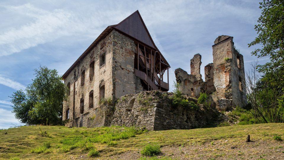 Část hradu Košumberk