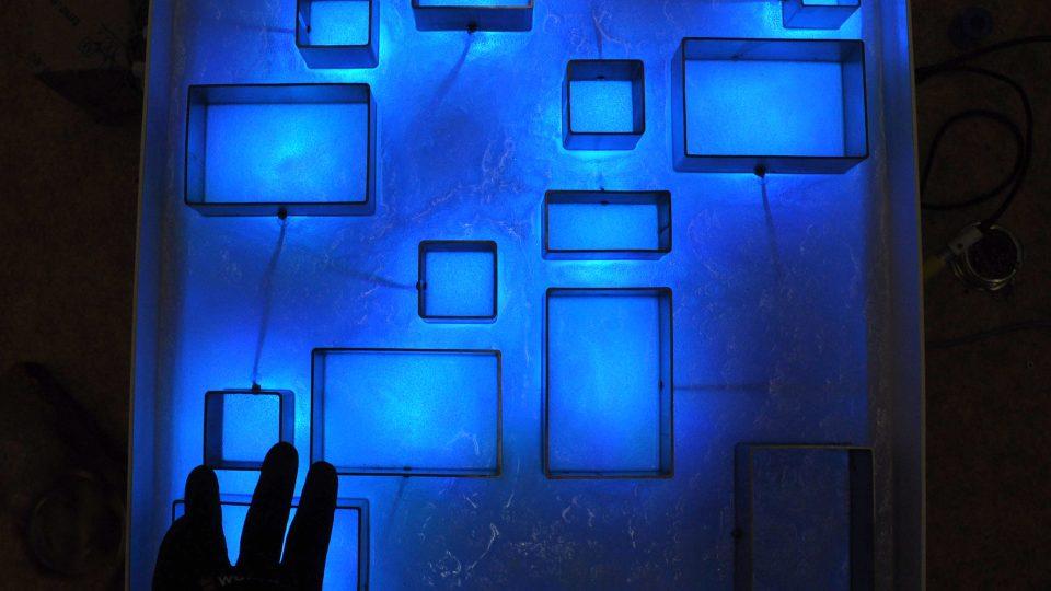 Součástí Muzea umění a designu v Benešově je podzemní prostor Experimenta. Dospělí i děti si tady vyhrají se světlem a zvukem