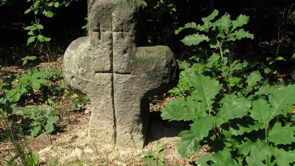 Smírčí kříž u Dvořiska