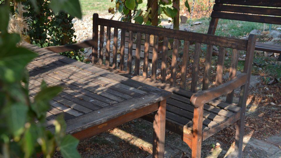 Uklidíme zahradní nábytek