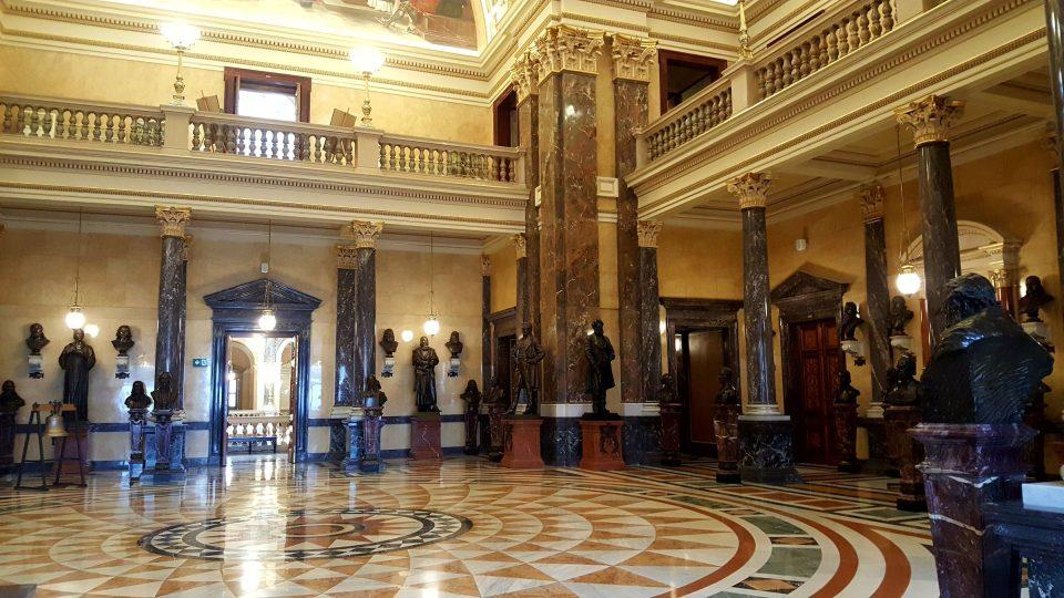 Panteon v Historické budově Národního muzea