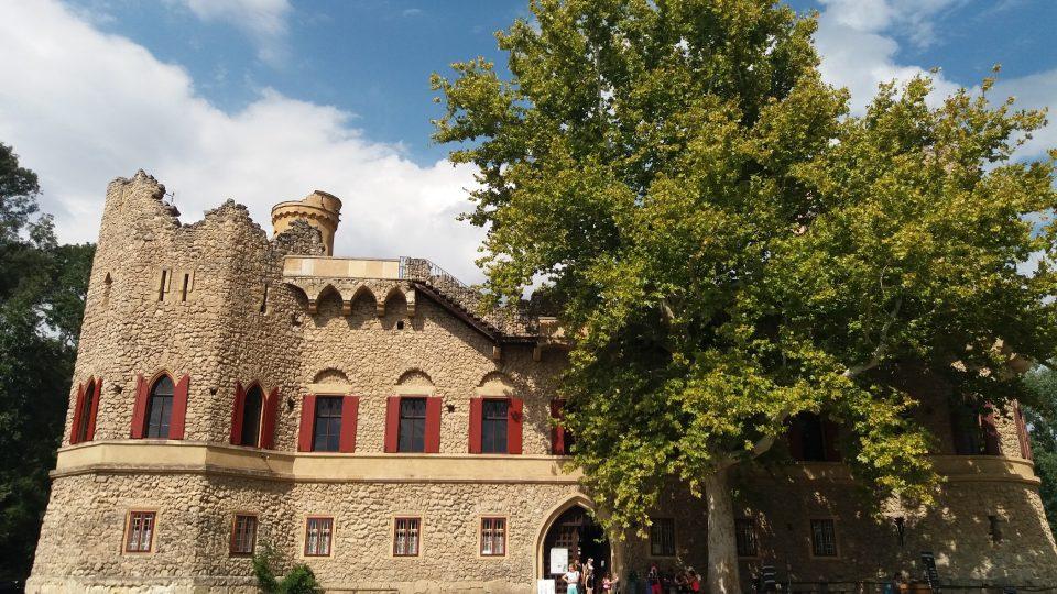 Janův hrad je doslova magnetem na turisty