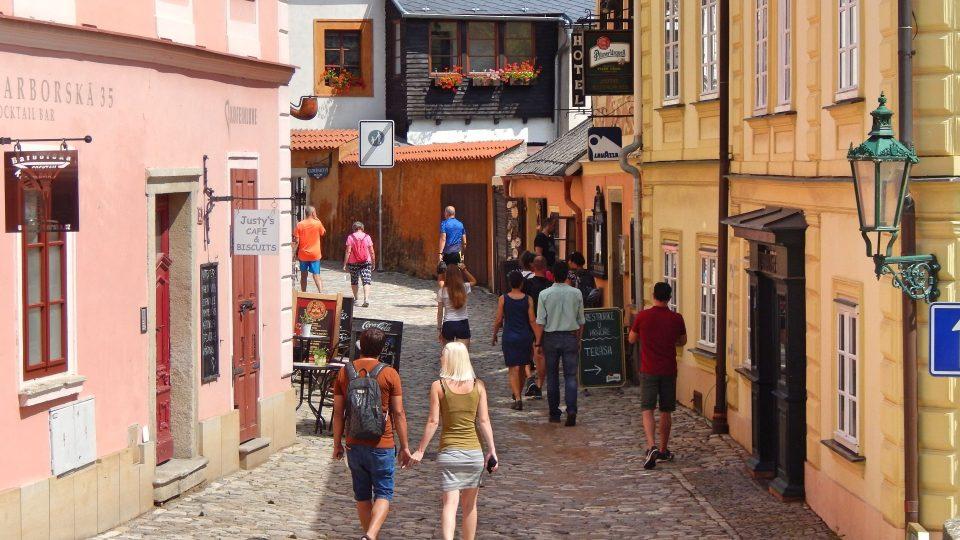 Do Kutné Hory se vracejí turisté