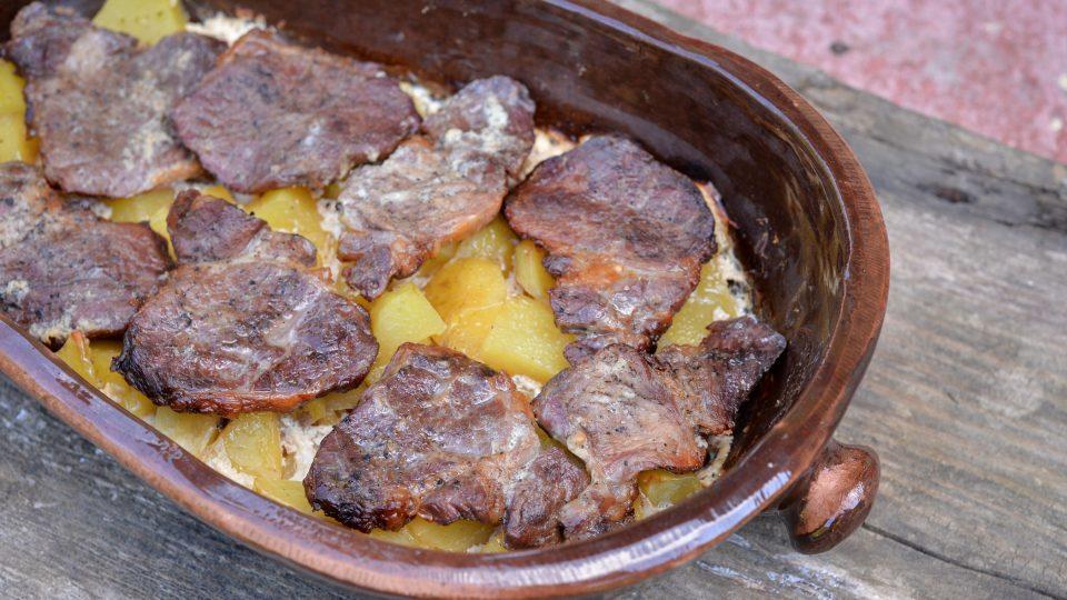 Smetanový pekáček z vepřového masa - hotové jídlo