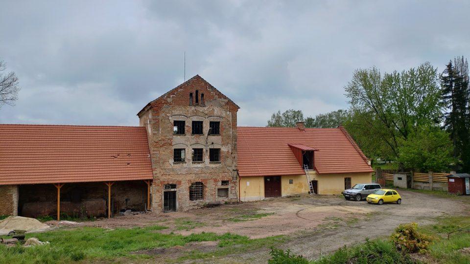 Obnova pivovaru na zámku Olešná