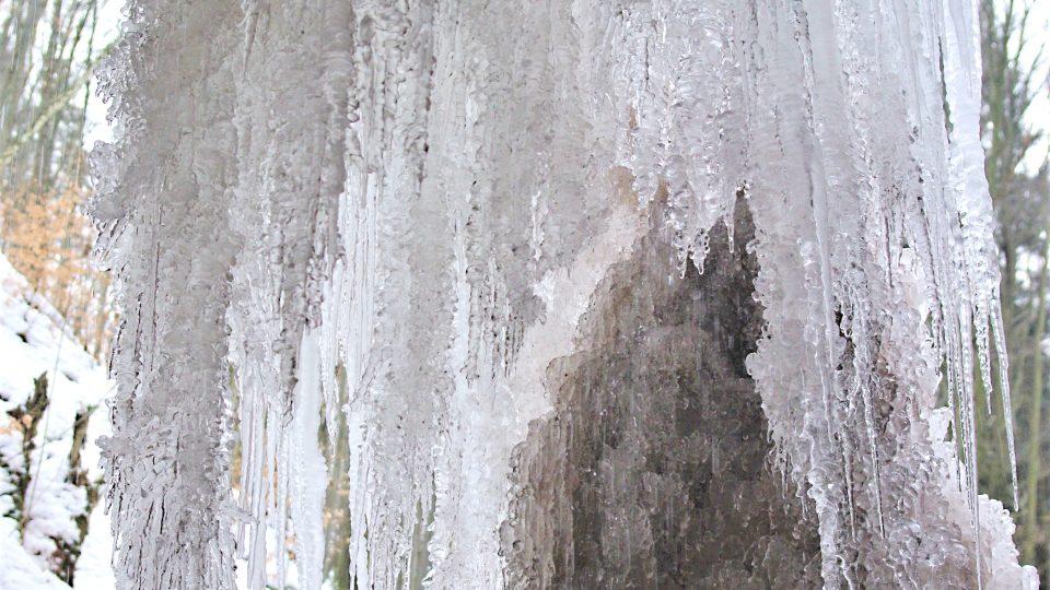 Za krajkovým závěsem velkého sýkornického ledopádu