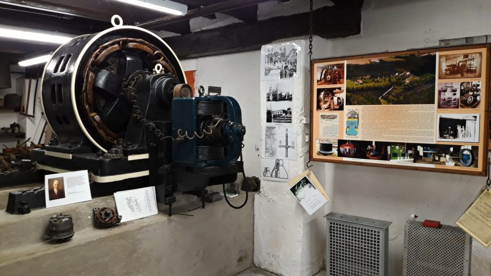 Část expozice je věnovaná elektrotechnikovi Emilu Kolbenovi