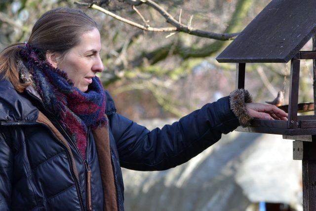 Na zahradě ve Světicích,  kam přilétá přes 20 druhů ptáků | foto: Jolana Nováková,  Český rozhlas